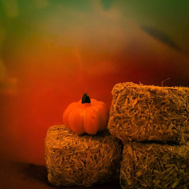 pumpkin-and-hay-bales