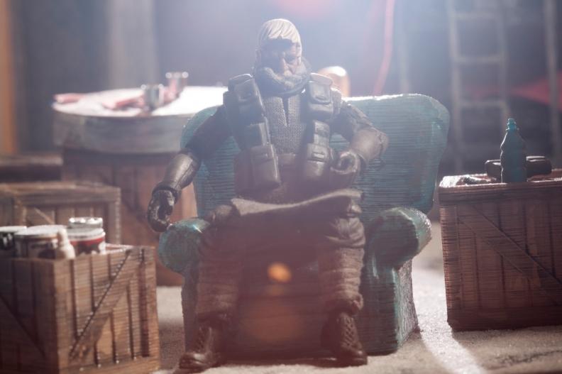 Monachopis - bob in chair