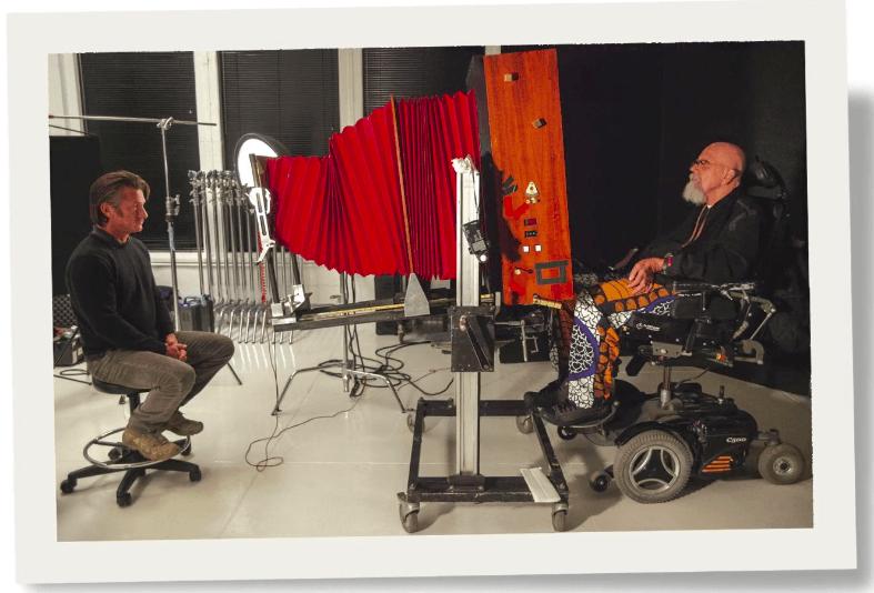 Chuck Close using the 20x24 Polaroid camera