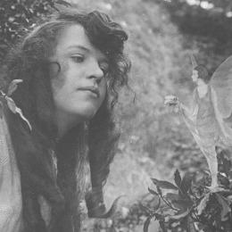 Elsie Wright and Francis Griffiths, Cottingly Fairies, 1917