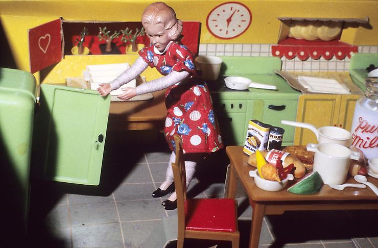 Laurie Simmons, Early Color Interiors