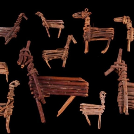 """Toys or ritual votives? """"Split-twig figurines"""" from the Archaic Period of southwest North America."""